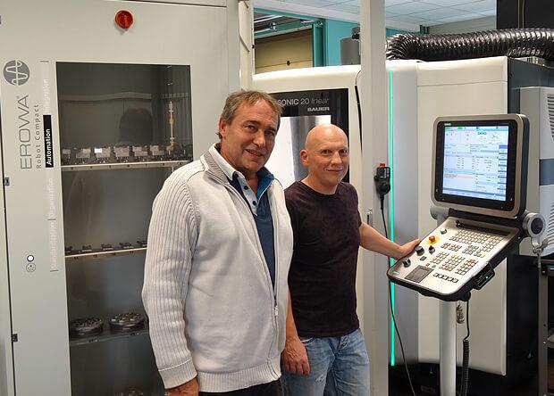 Le robot EROWA ERC 80 équipe le centre de fraisage à broche ultrasonic