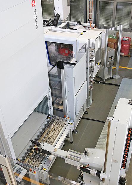 robot-et-environnement dans un atelier automatisé